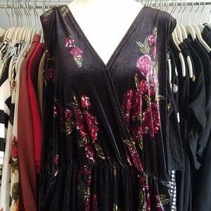Xhilaration Black Floral Velvet Crop Jumpsuit XL
